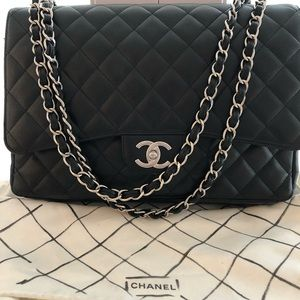 CHANEL Caviar Quilted Jumbo Double Flap Bag